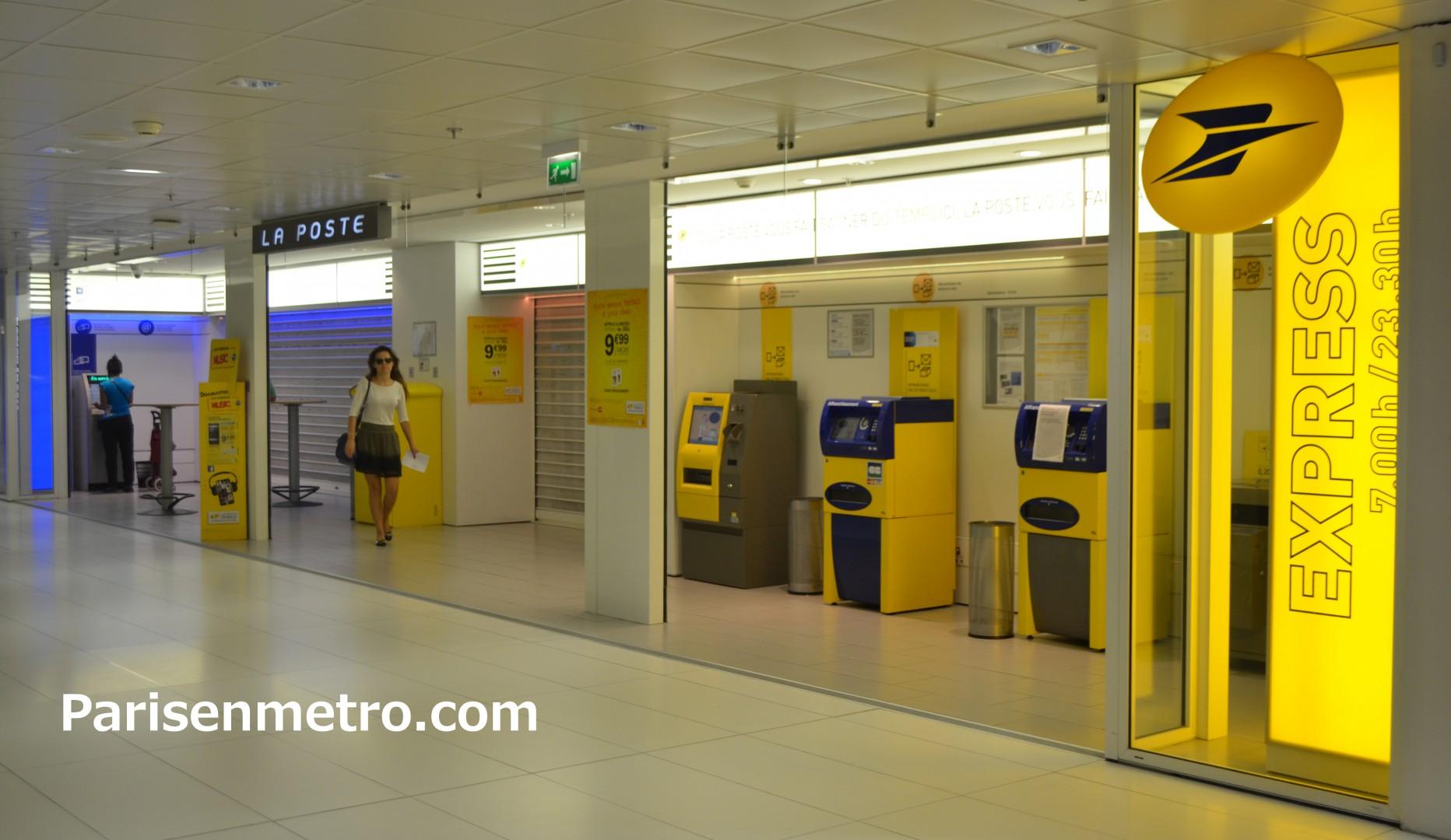 Bureau de poste la défense cnit à paris en métro