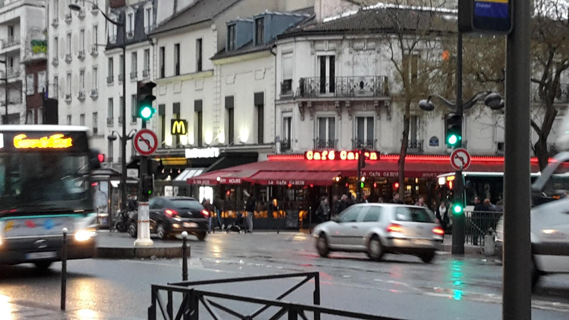 bureau de poste paris 19 l 39 actualit du 18e arrondissement de paris paris aussi ferme ses. Black Bedroom Furniture Sets. Home Design Ideas
