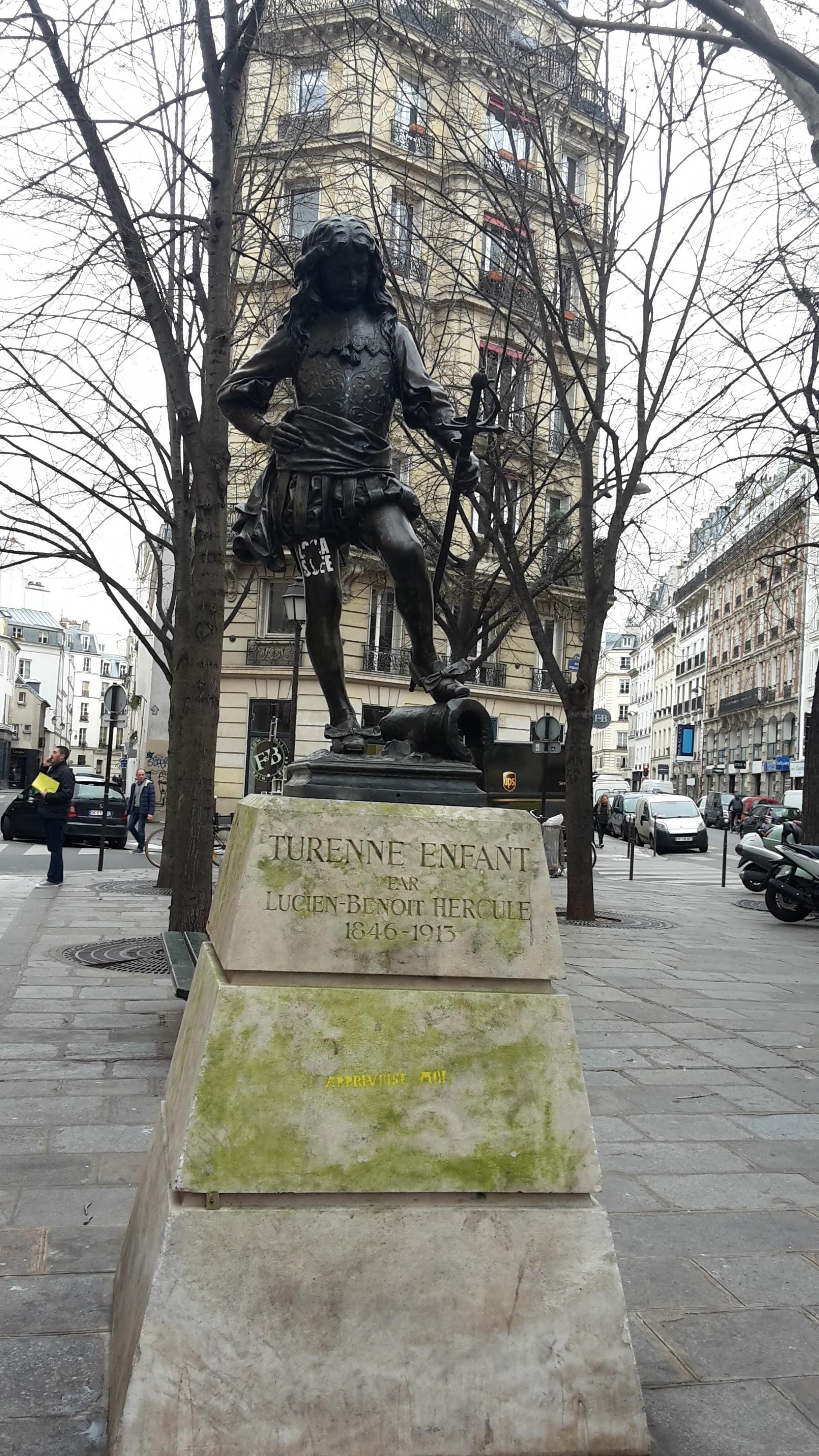 Statue de Turenne enfant