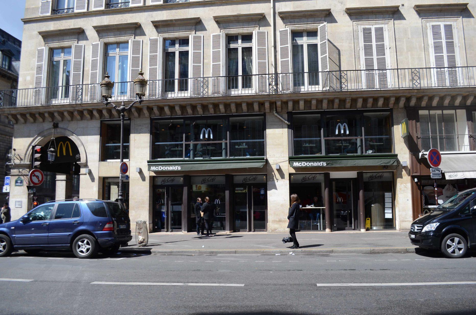 McDonald's Paris louvre rivoli