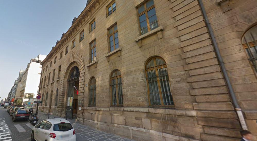 Conservatoire municipal camille saint saens paris en m tro for Piscine jacqueline auriol