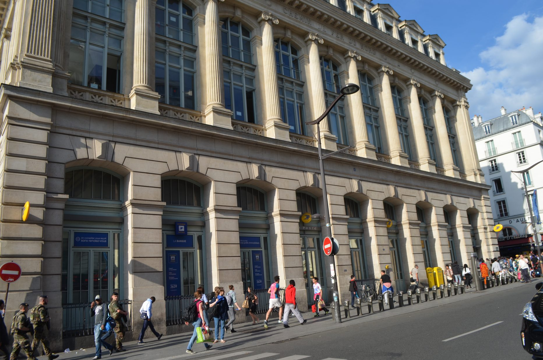 Bureau de poste à paris pictures getty images