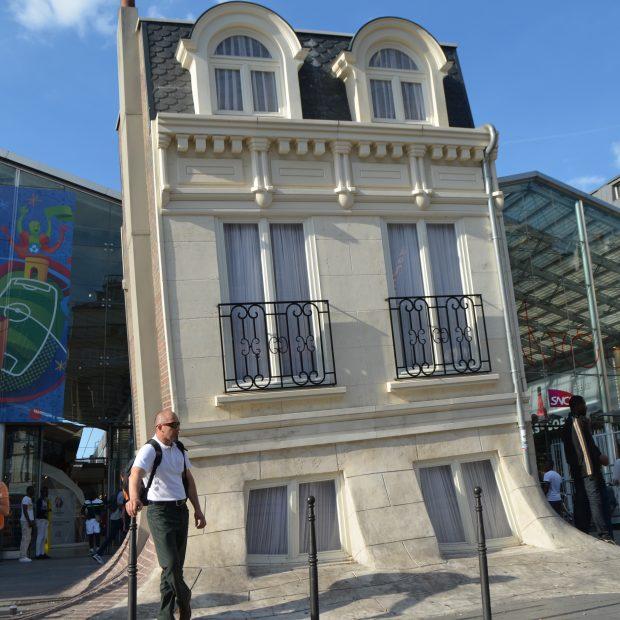 La Maison Fond de Leandro Erlich (Gare du Nord)