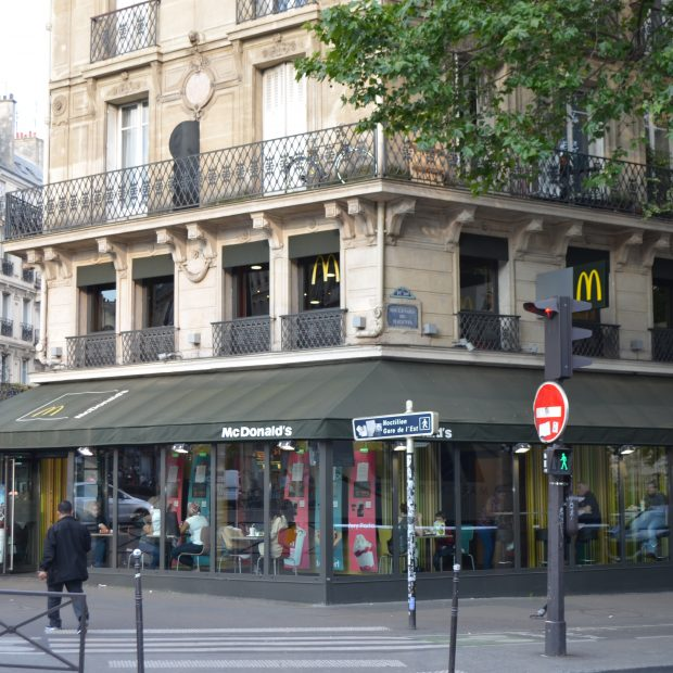 McDonald's Paris magenta
